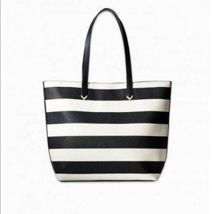 Stella and Dot black/white Fillmore tote